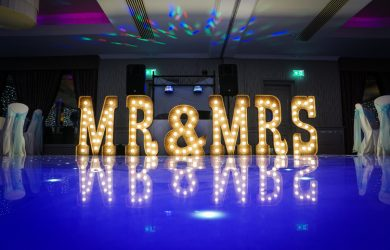 Mr & Mrs Wedding Letters